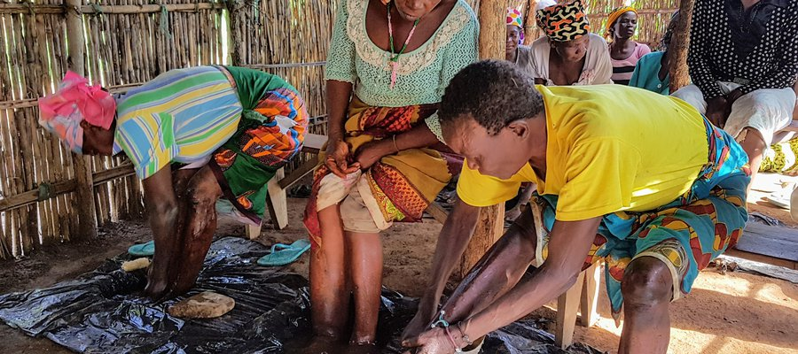 People practicing self-care at a Village Self Care Group in Mozambique