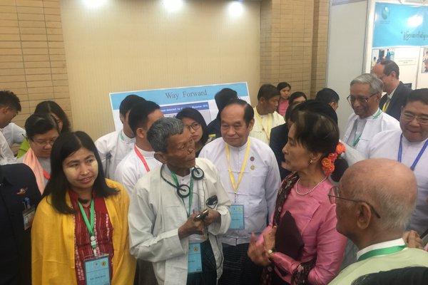 U Soe Win with Aung San Suu Kyi